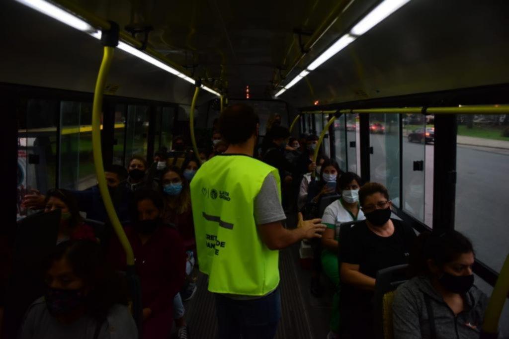 """""""Es enfermedad o frío"""": el transporte público circulará con ventanillas abiertas"""