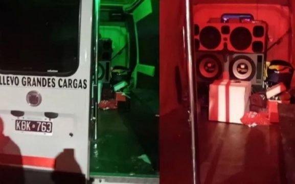 Escándalo en Bahía Blanca: festejan despedida de solteras dentro de combi con luces y caño