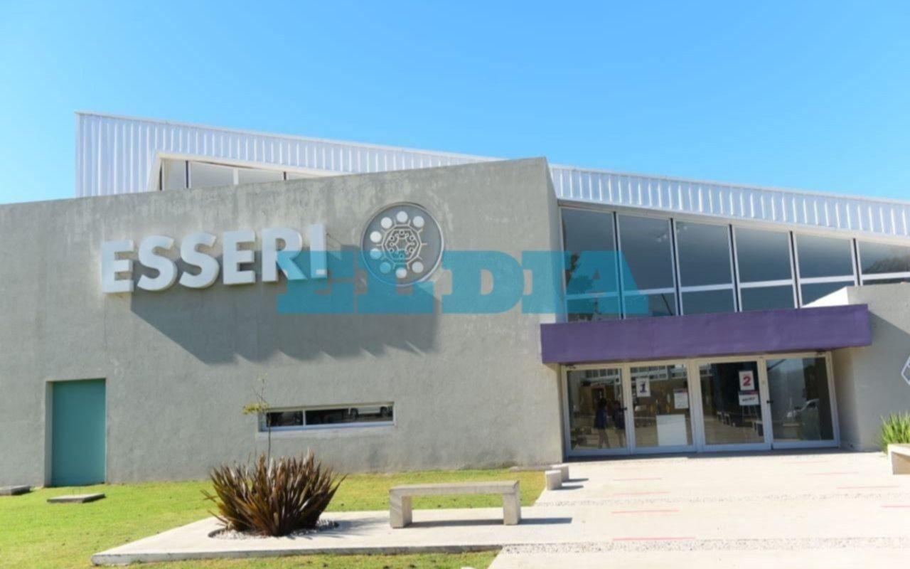 Un colegio platense anunció que abrirá el lunes pero el gremio dice que no