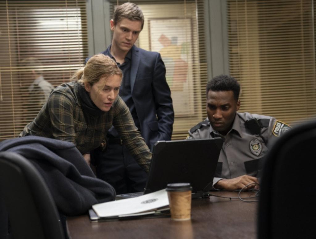"""Mare of Easttown"": Kate Winslet vuelve a la tevé en su primer papel como detective"