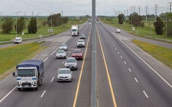 Restricciones para circular: en la Autopista funciona un control de 20 a 6 en el peaje de Hudson