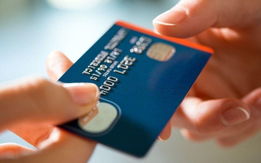 Ojo con la tarjeta: la tasa de financiación para las 12 cuotas fijas subió al 132%