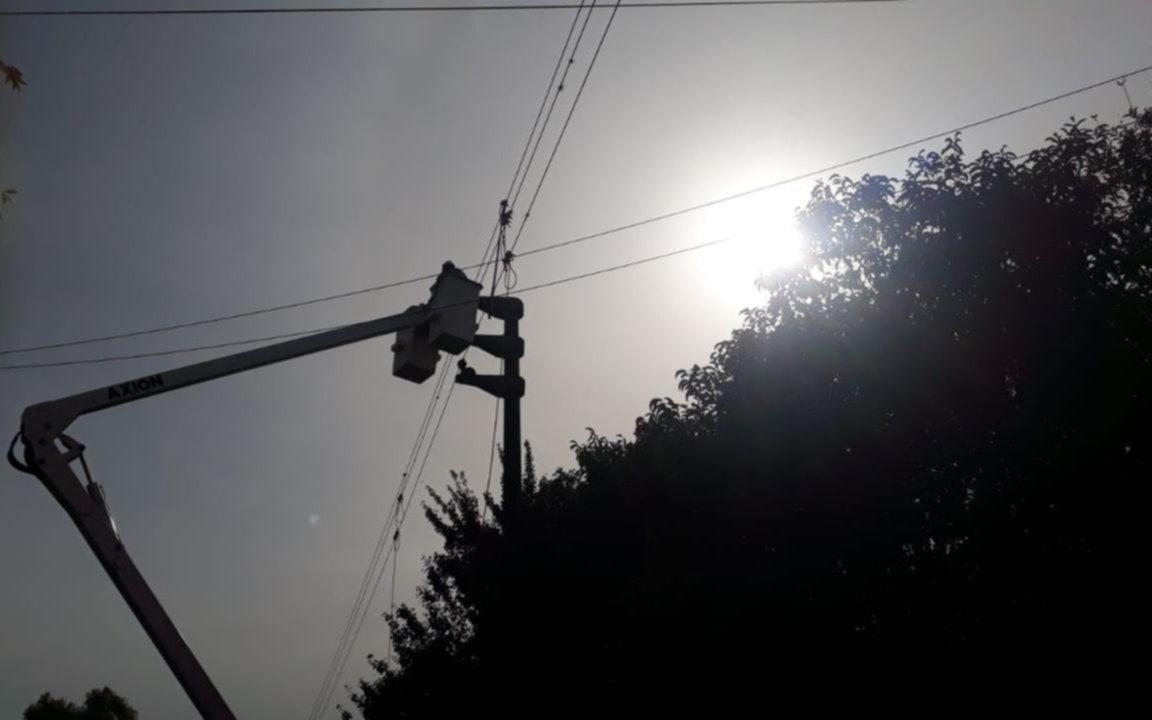 De mal en peor: horas sin luz y más microcortes en un sector de Villa Elisa y El Rincón