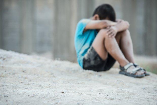 Violó a un niño y le bajaron la pena porque el menor es gay