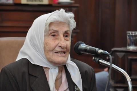 Falleció Adelina Dematti, una de las fundadoras de Madres de Plaza de Mayo de La Plata