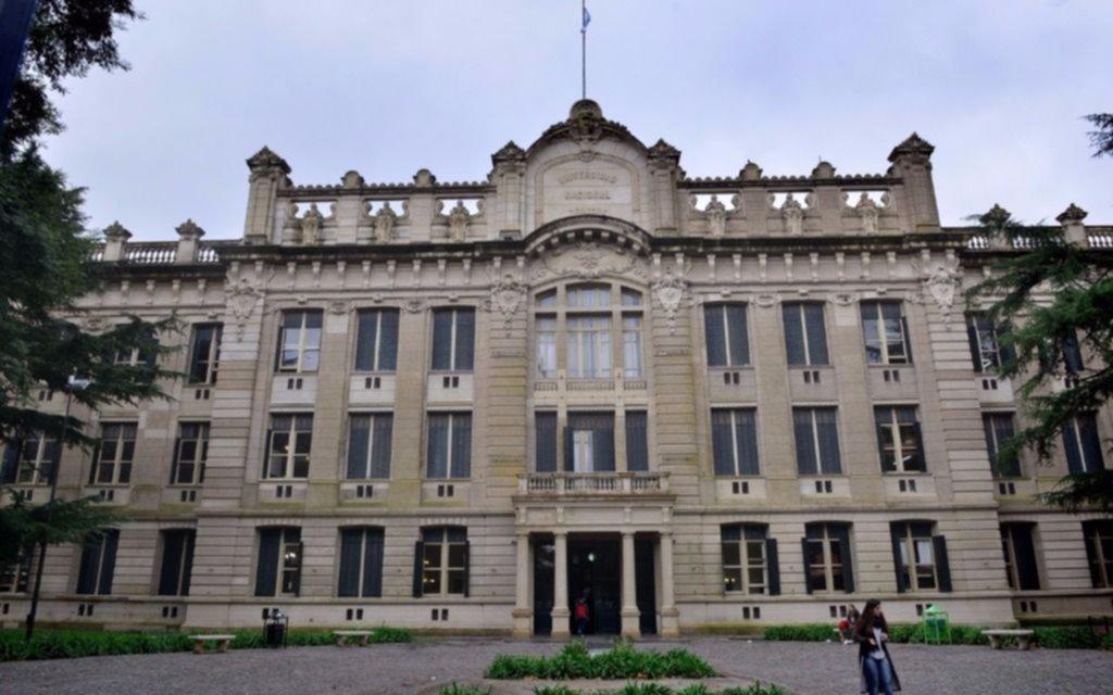 Operativo en 1 y 49 para evitar enfrentamiento entre alumnos del Nacional y el Albert Thomas
