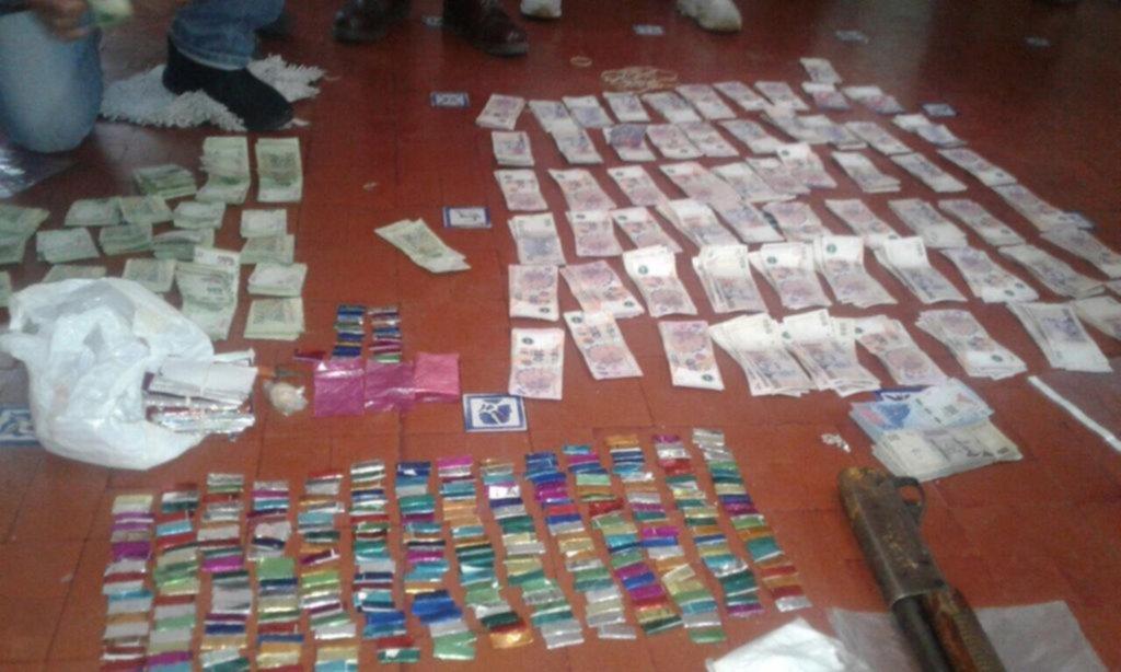 """Un comisario y otros seis policías presos por """"trata"""""""