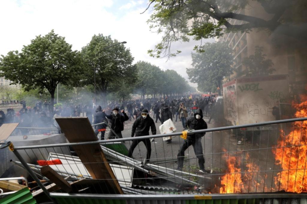 Disturbios y 200 detenidos en París en el Día del Trabajador