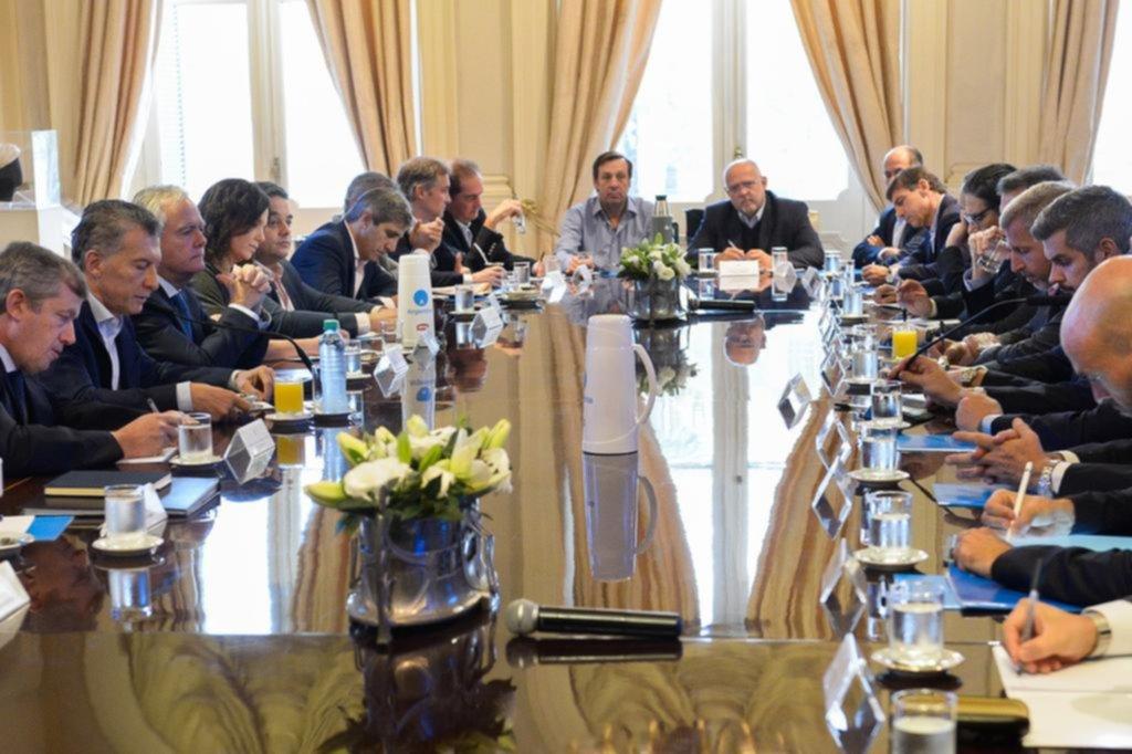 En la reunión de Gabinete el presidente defendió la gestión de Federico Sturzenegger en el Central  Télam
