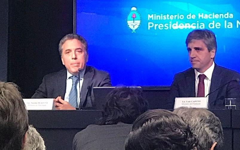 Argentina comienza una semana de incertidumbre post devaluación