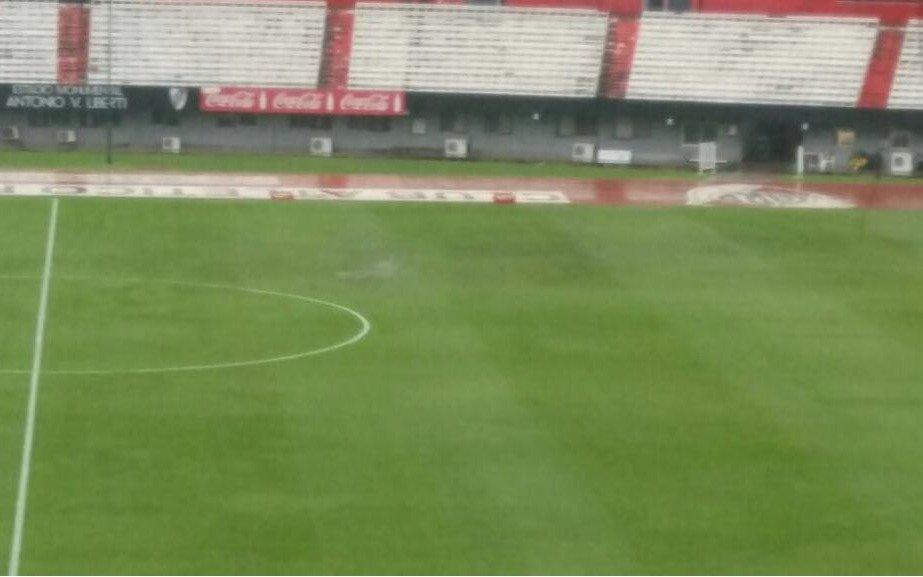 La lluvia frenó la pelota: River-Estudiantes, suspendido y se jugará mañana 16.45