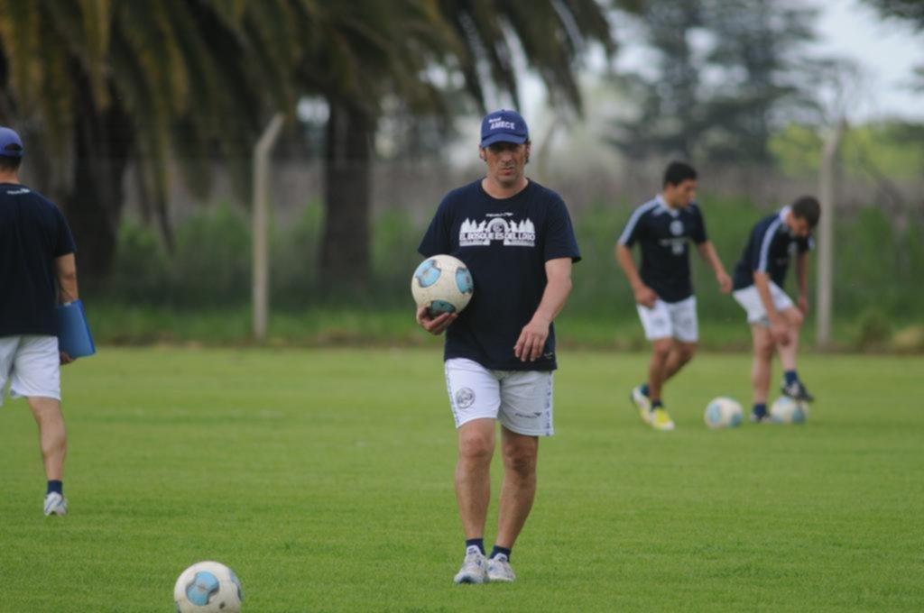 El DT Troglio fue oficializado por Gimnasia La Plata — Superliga