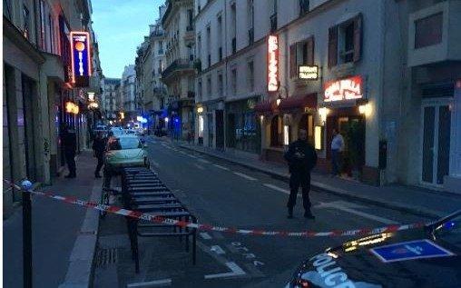 Al menos dos muertos por un ataque con cuchillo en París