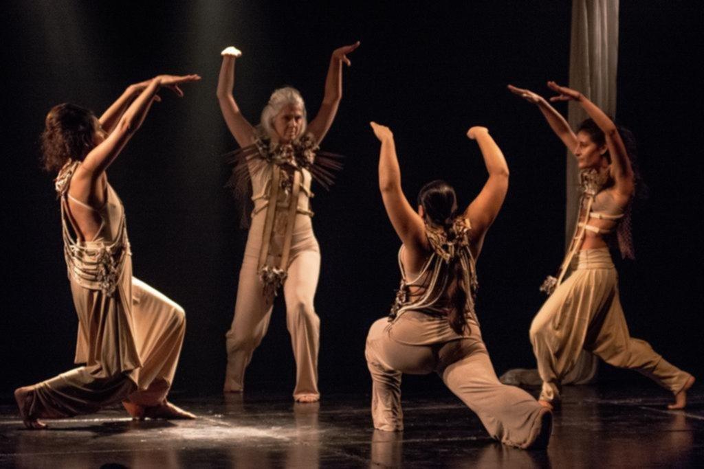 """""""Cántaro"""": una reflexión desde la danza, la música y la tecnología sobre la crisis del agua"""