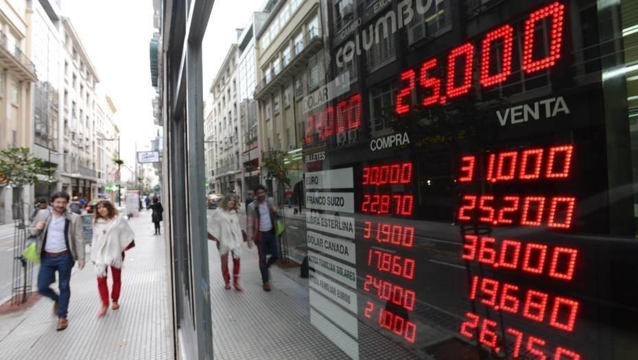 La suba del dólar a 25 pesos, impacta en el mercado inmobiliario y en los créditos UVA