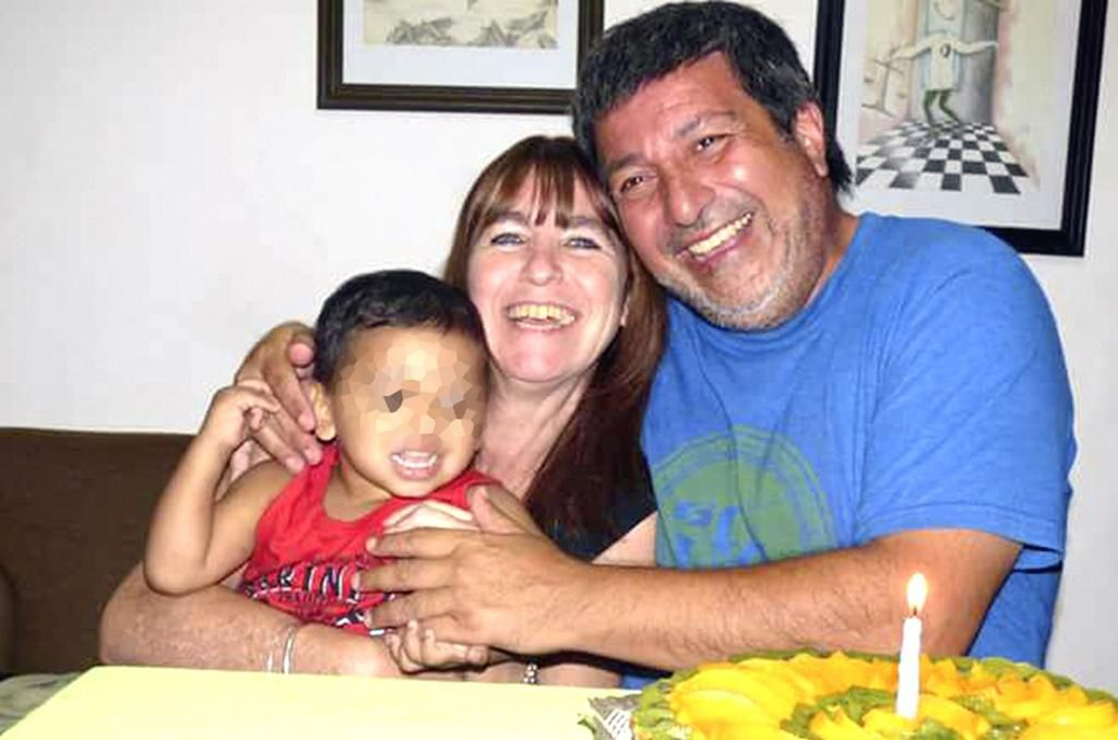 """La historia de """"Kiki"""", el nene de Santa Fe que pudo volver con sus """"padres de crianza"""""""