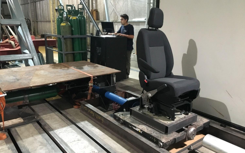 La facultad de ingenier a certificar la seguridad de for Sillas para autos para ninos 4 anos