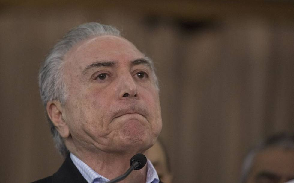 Las Fuerzas Armadas de intervendrán en paro de camioneros — Crisis en Brasil