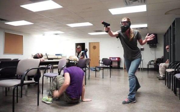Preparen, apunten, ¡escriban! Maestros de Florida pueden dar clases armados
