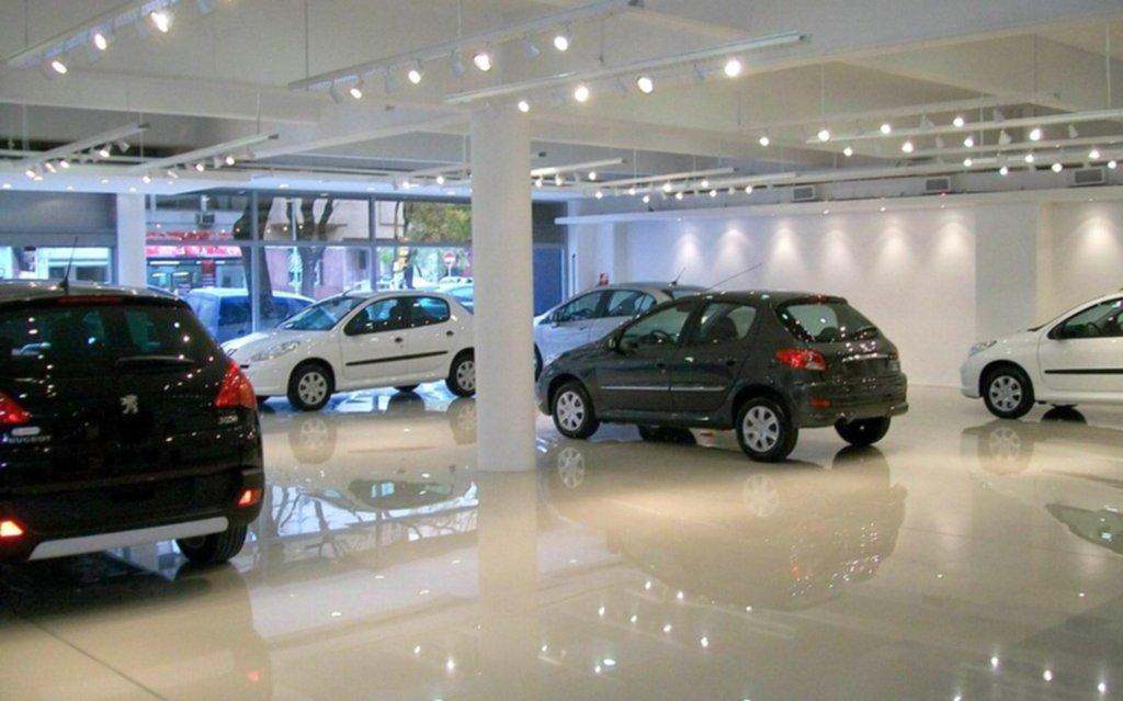 Las ventas de vehículos 0 km y de motocicletas cayeron en abril más del 50% interanual