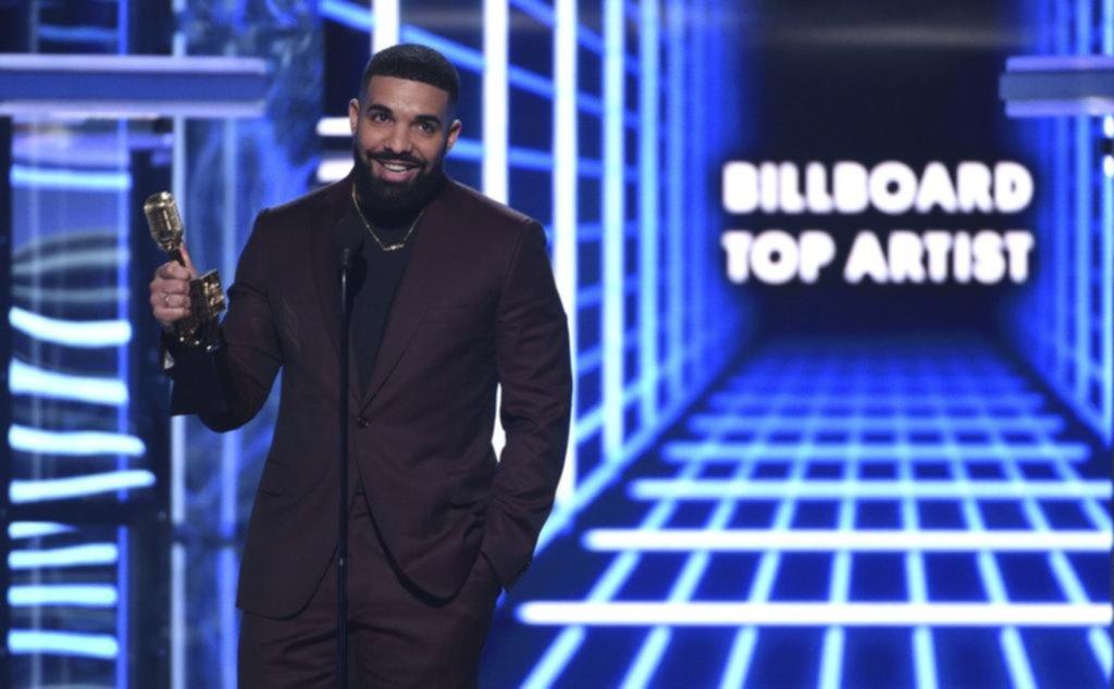 Drake destronó a Tylor Swift en los Billboard