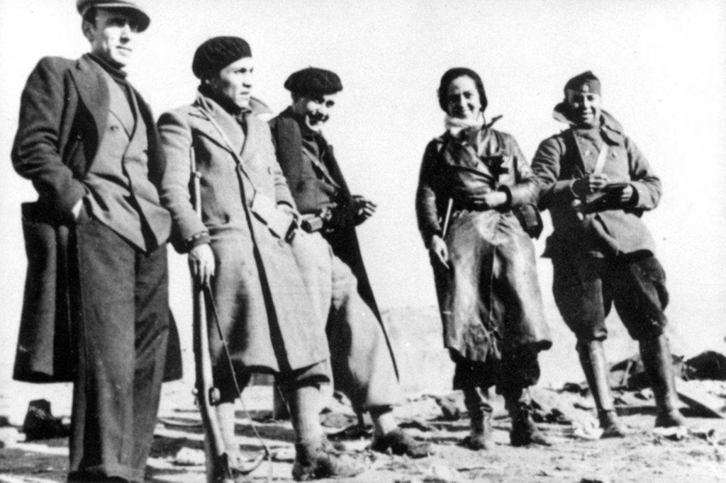 Mika y su guerra: en la Patagonia, en España y en el Mayo Frances