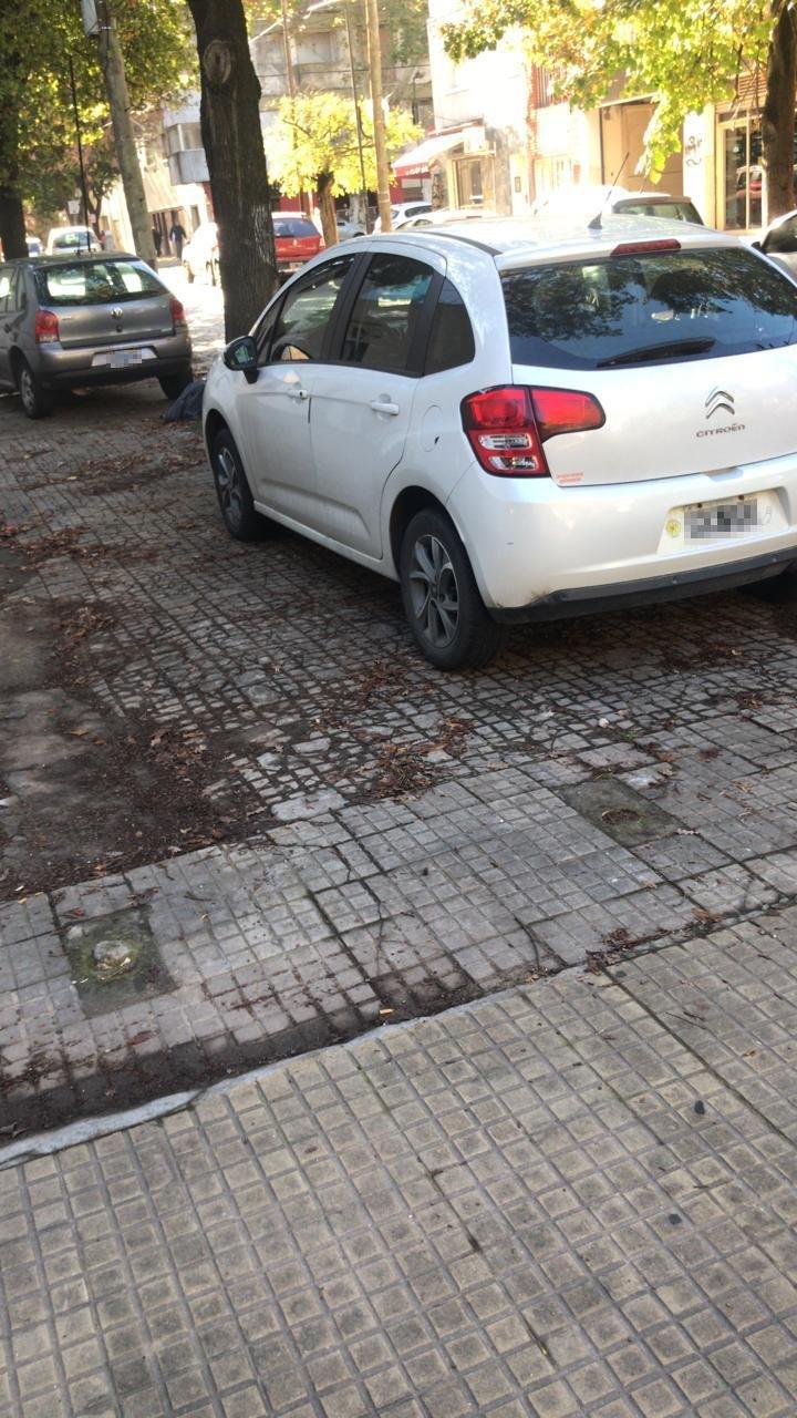 Sin freno la plaga del mal estacionamiento