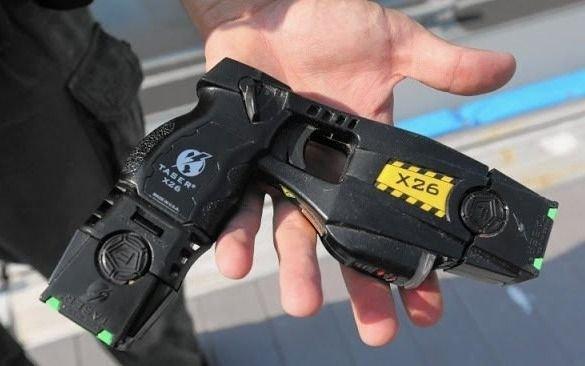 Habilitan a las fuerzas de seguridad a usar pistolas Taser