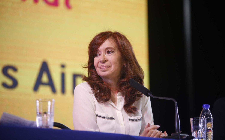 Denuncian penalmente a Cristina Kirchner por confesiones que hizo en el libro
