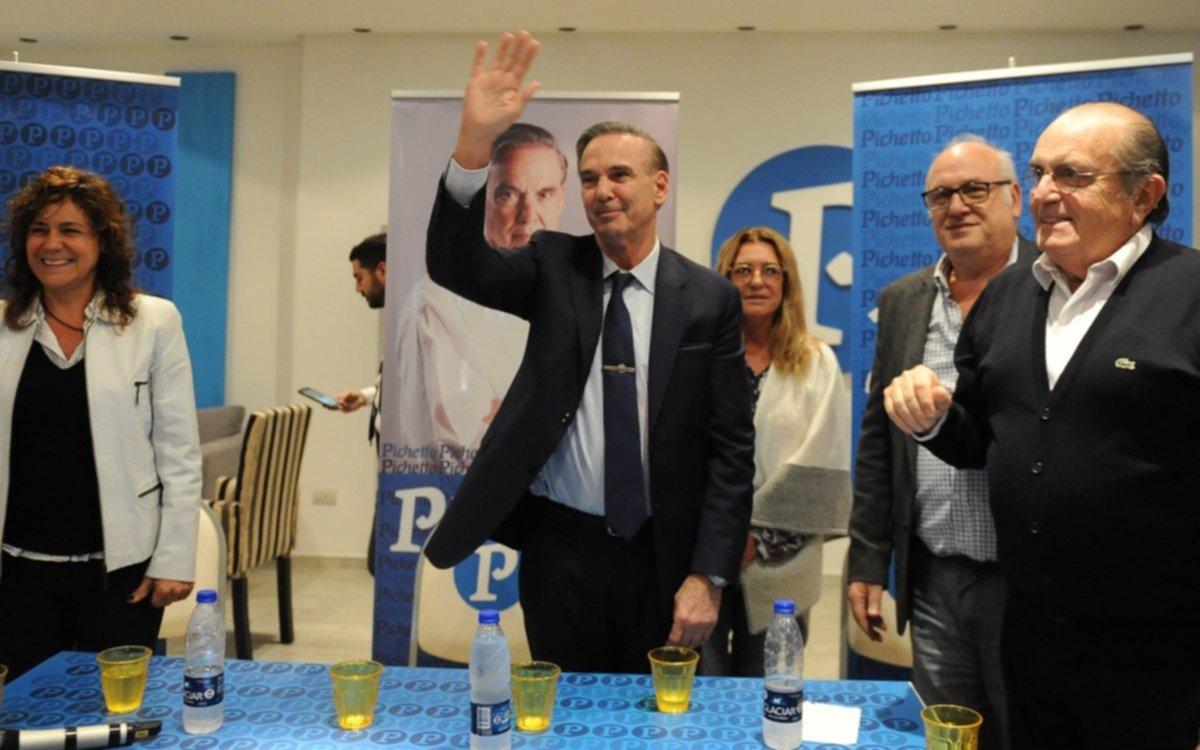 Pichetto cuestionó el llamado a la unidad que propuso el kirchnerismo en la sede del PJ