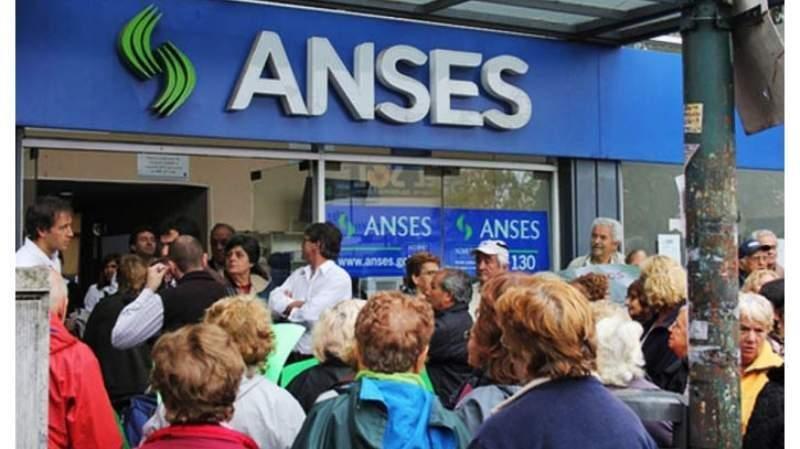 La ANSeS aumenta un 10,7 % las jubilaciones y las asignaciones familiares