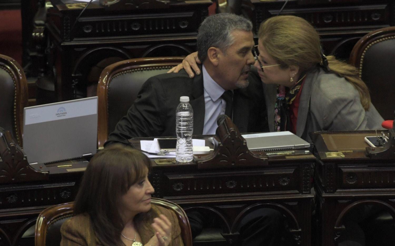 Emotivo homenaje en la Cámara de Diputados a Héctor Olivares