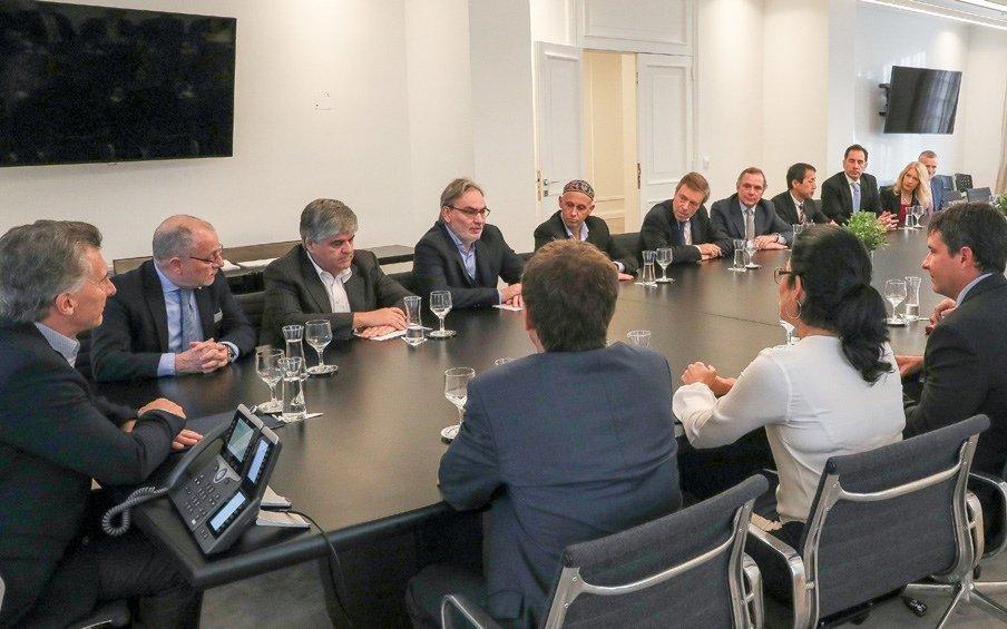 Macri recibió a directivos de las 13 empresas petroleras que explorarán el Mar Argentino