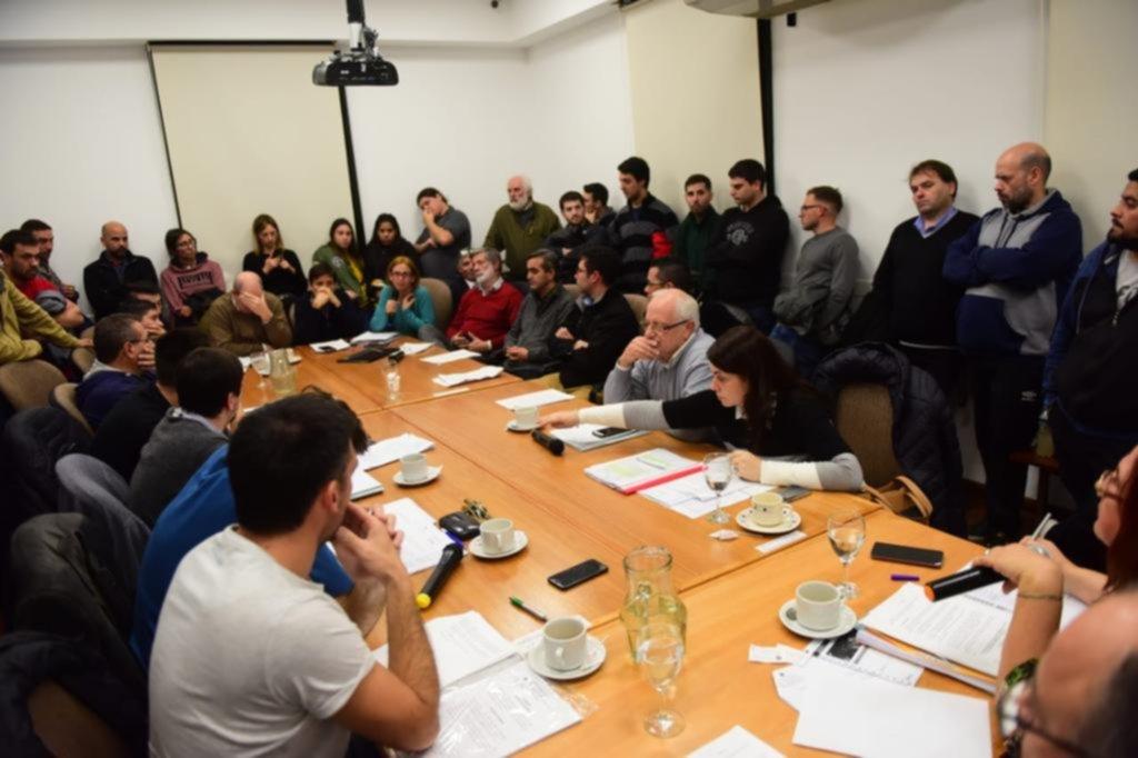Más revuelo en la UTN: renunció el vicedecano y llaman a una asamblea