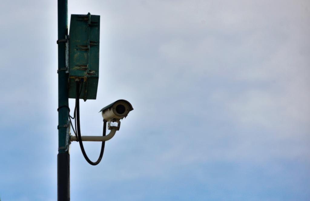 Las cámaras para controlar el tránsito ya funcionan pero las multas deberán esperar