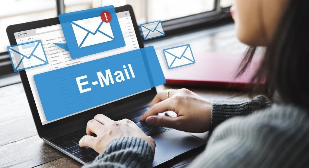 ¿Punto final para el correo electrónico?