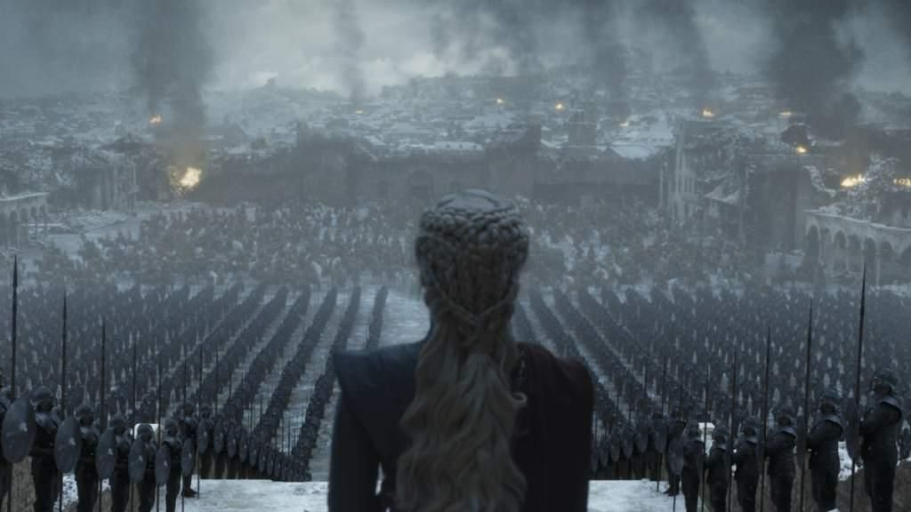 "El final de una era: ""Game of Thrones"" incendió pantallas y redes con un cierre que dividió aguas"