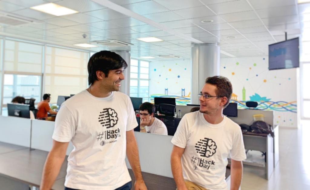 Dos informáticos platenses diseñaron un sistema de alerta que envía señales al celular
