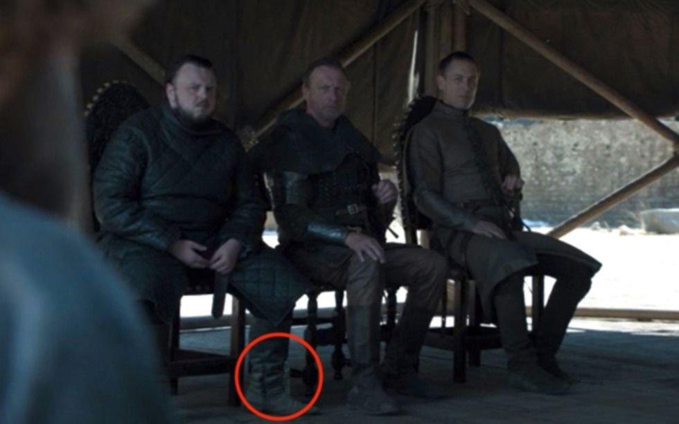 Game of Thrones: ahora los fans detectaron una botella plástica