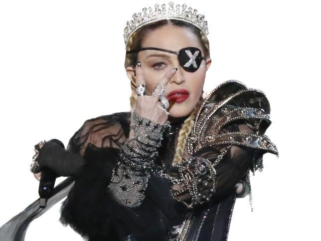 Criticada por desafinar, Madonna subió a YouTube su show editado