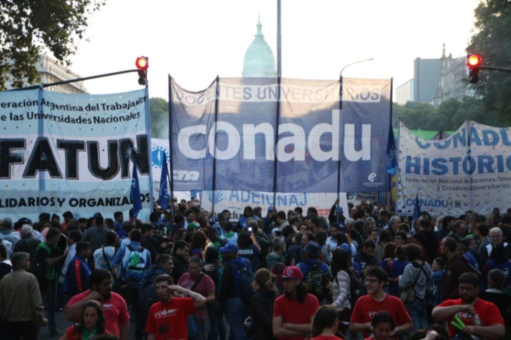 """Universitarios ven un """"gran avance"""" en la última oferta salarial y se acercan al acuerdo"""