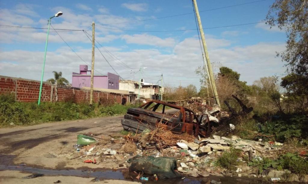 Basurales en varios puntos del barrio de La Granja