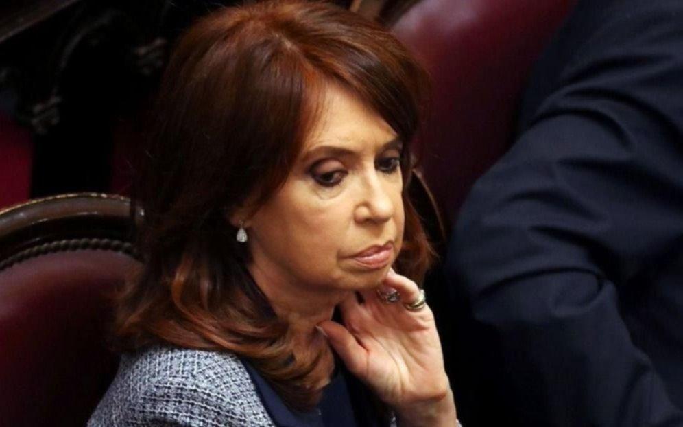 """Por Twitter, Cristina volvió a decir que se trata de """"un nuevo acto de persecución"""""""