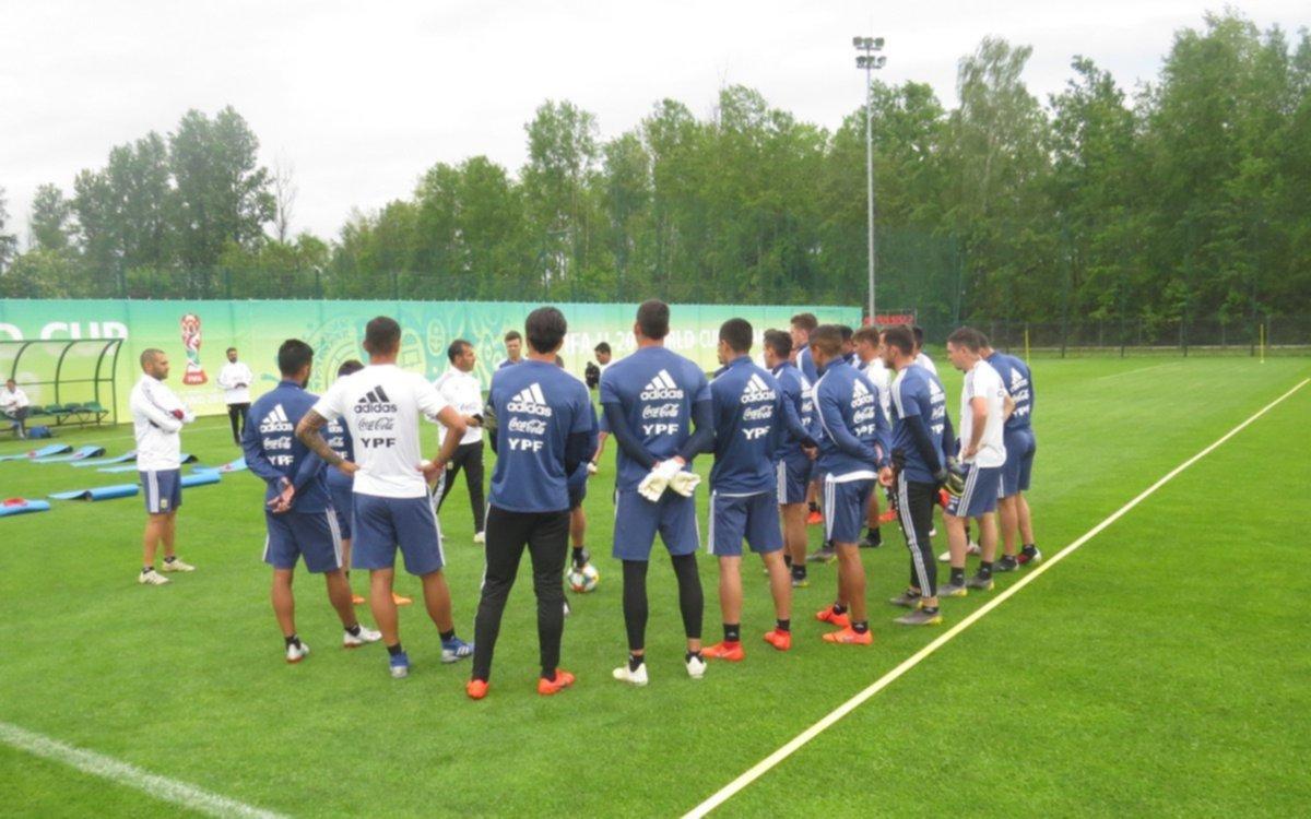 Con Mura y Pourtau, el Sub 20 ya se entrenó en Polonia donde jugará el Mundial