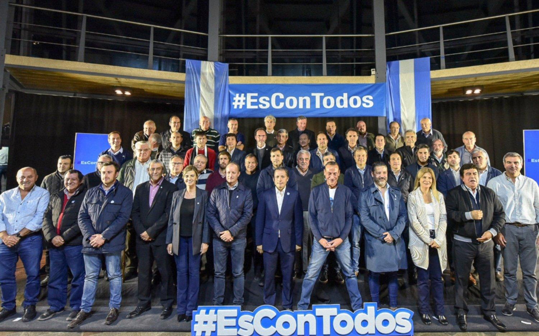 Más de 45 intendentes asistieron a la cumbre del PJ bonaerense en Cañuelas