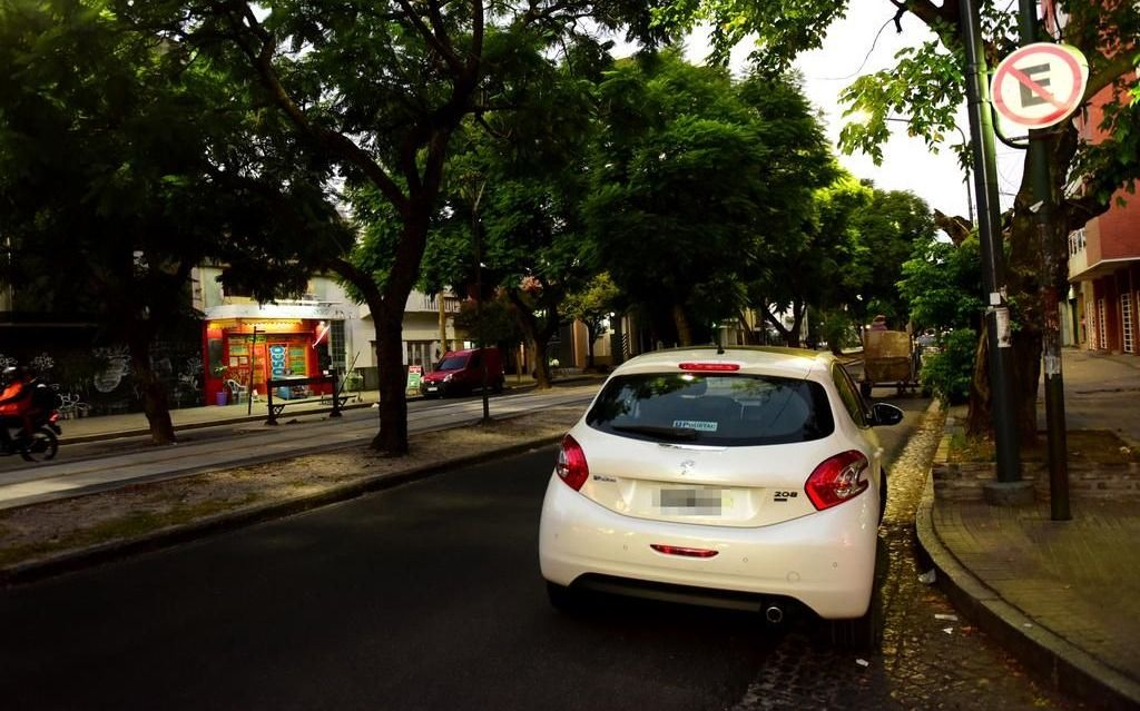 Se aprobó la ordenanza que prohíbe estacionar en un tramo de Diagonal 73