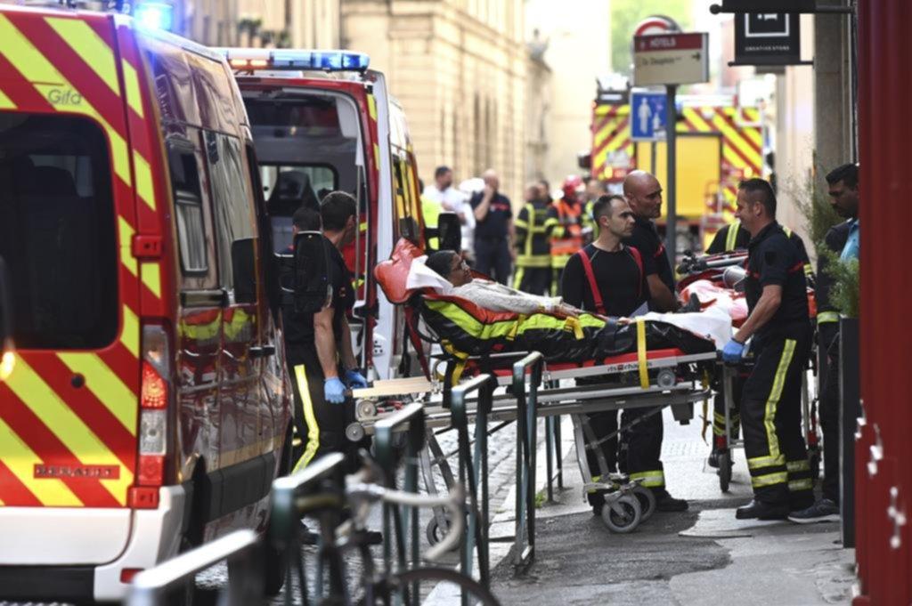 Causó 13 heridos un ataque con explosivos caseros en una calle peatonal de Lyon