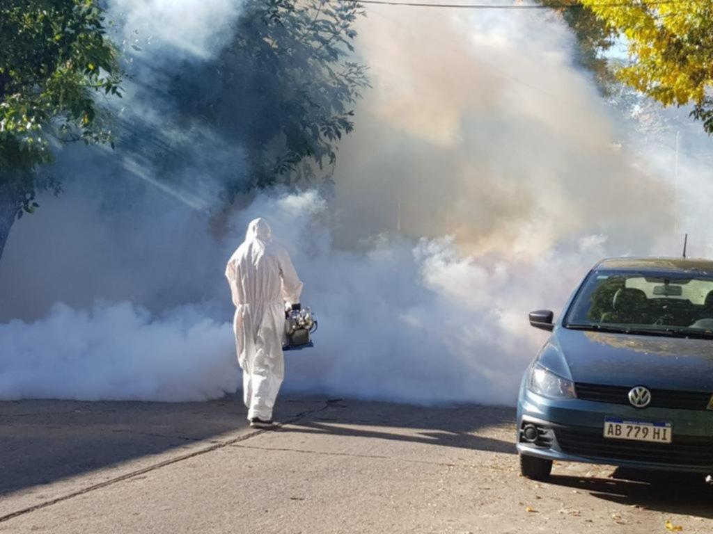 Suman 151 los contagios de dengue y salen a reforzar la lucha contra el mosquito vector