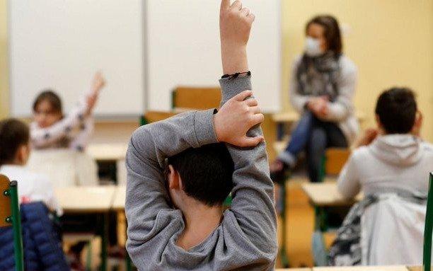 El 80% de las escuelas primarias reabrieron en Francia, pese al estricto protocolo sanitario