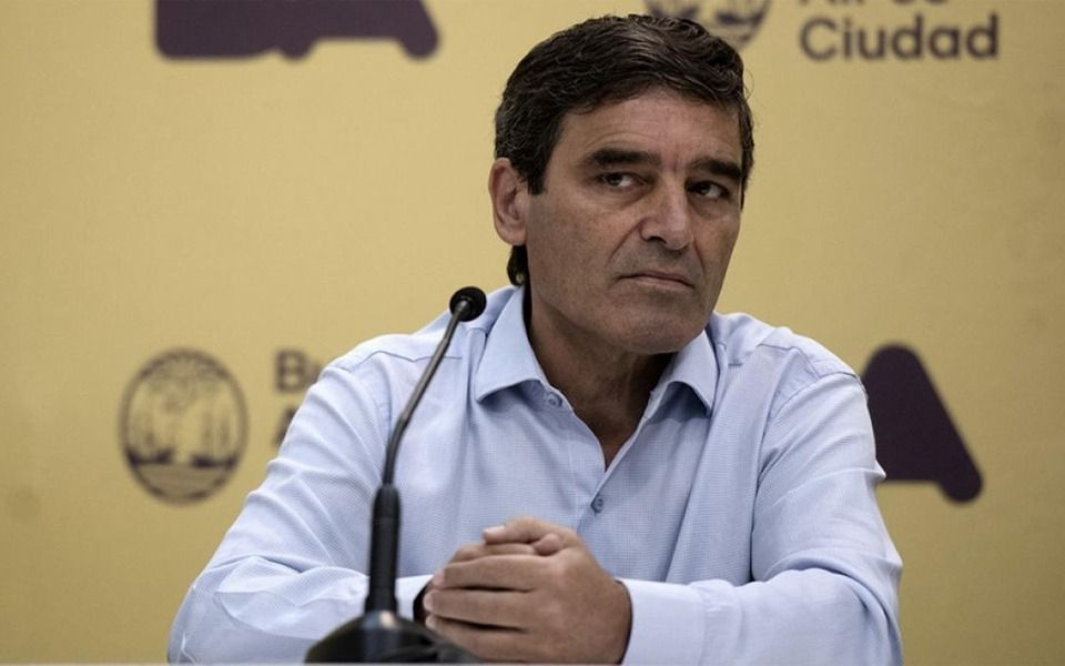 """El ministro de Salud porteño habló de una """"montaña"""" de casos que podría durar hasta 10 semanas"""